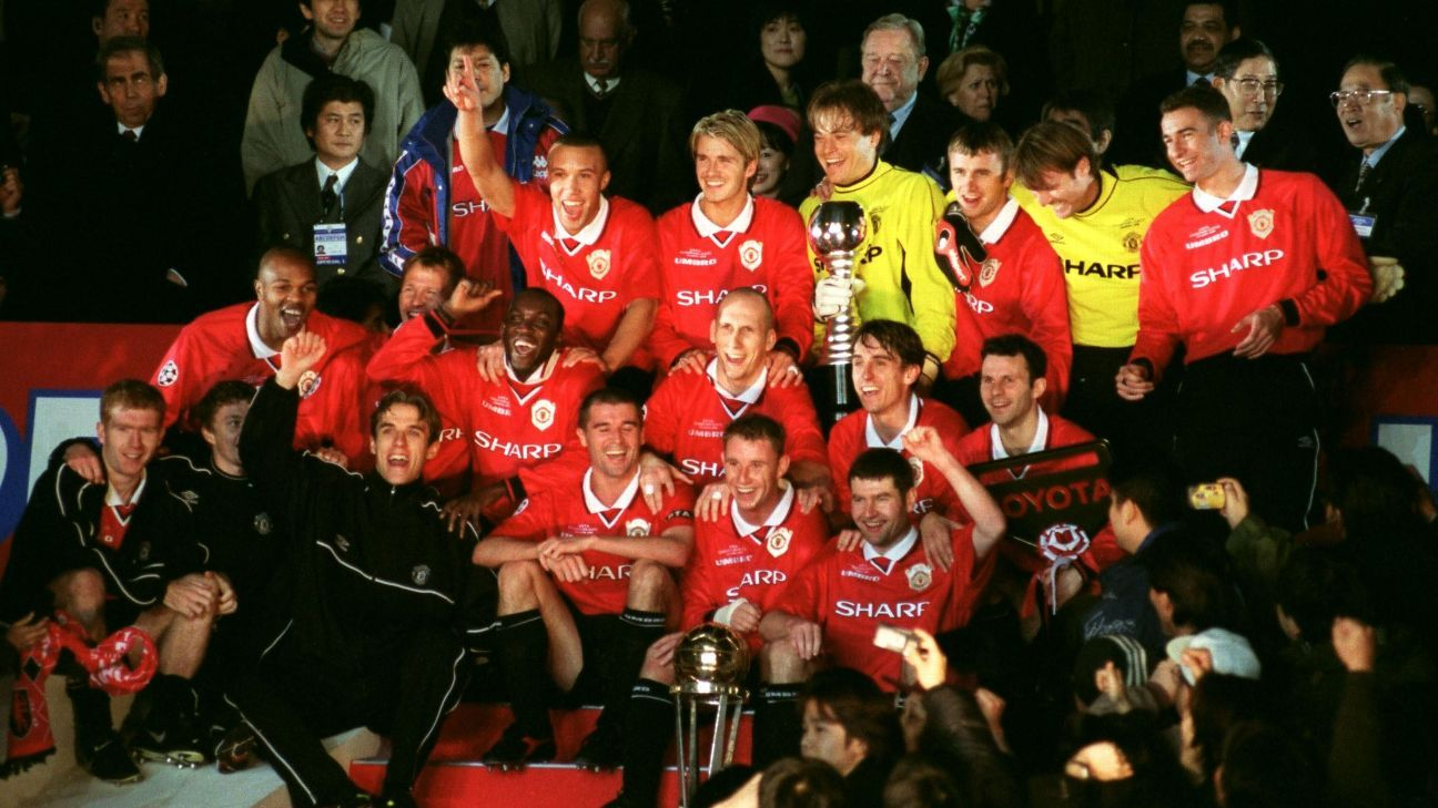 Manchester United celebrate winning 1999 Intercontinental Cup with in over Palmeiras