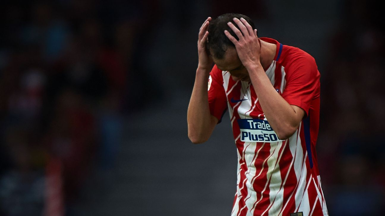 Diego Godin reacts after full-time of Atletico Madrid's disappointing draw against Villarreal.