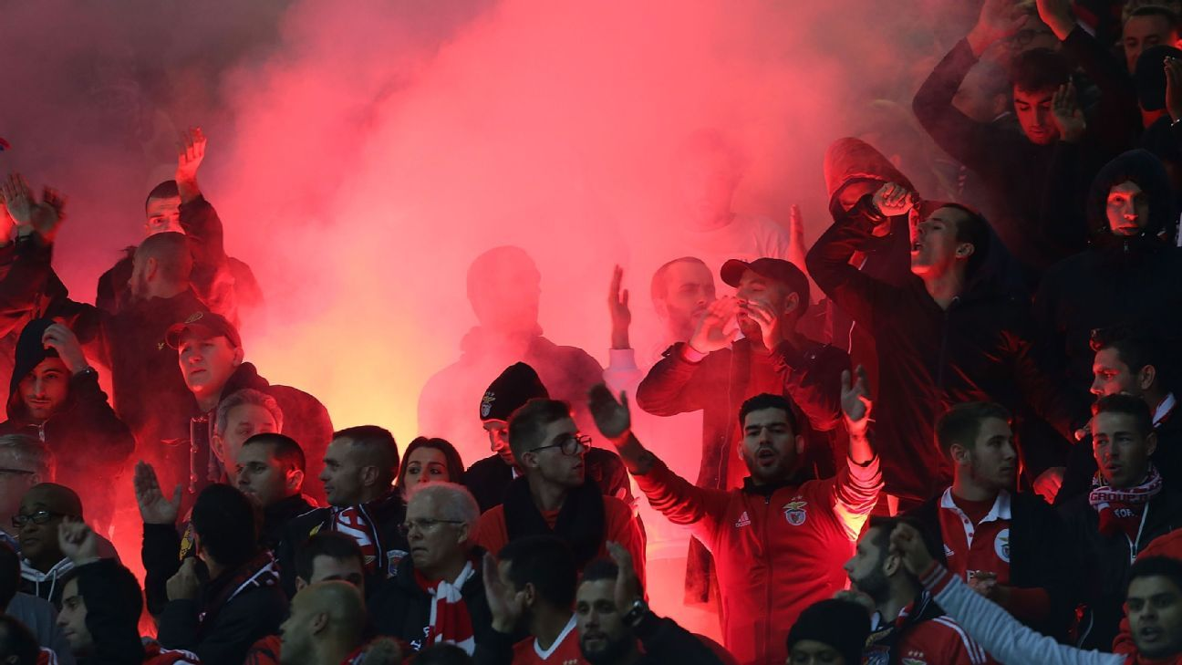 Benfica flares Old Trafford