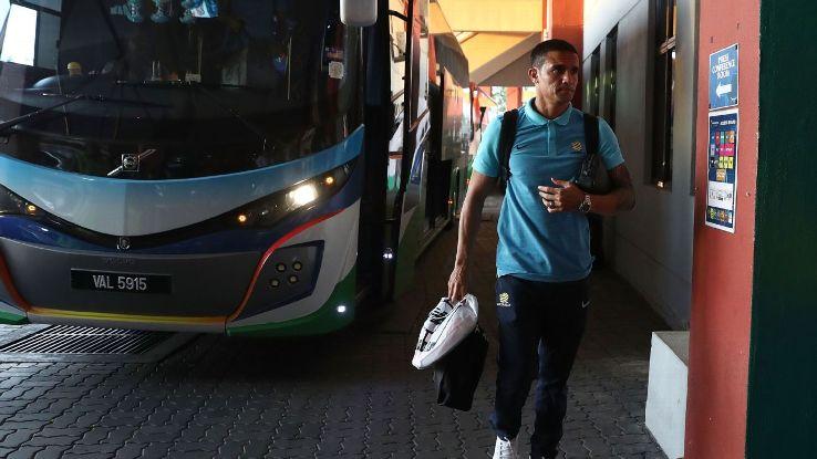 Tim Cahill leaves Australia team bus