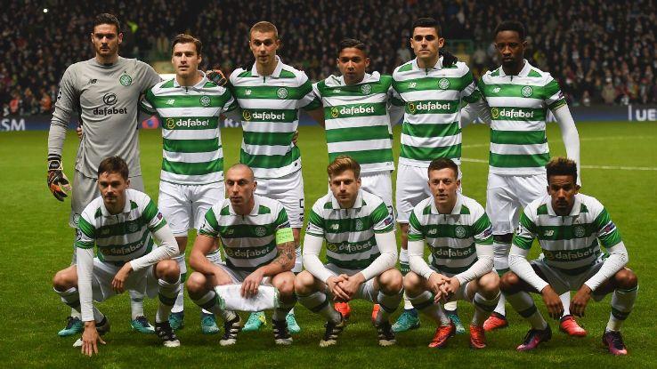 Tom Rogic alongside Emilio Izaguirre in Celtic team photo