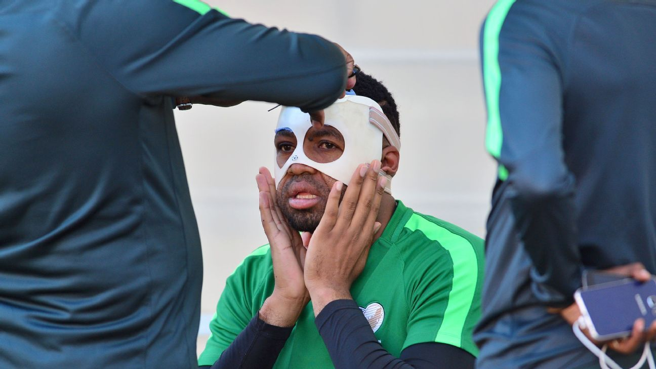After suffering an optical fracture of his cheek bone, South Africa goalkeeper Itumeleng Khune will have to pass a late fitness test if he is to play -- with a protective mask -- against Senegal.