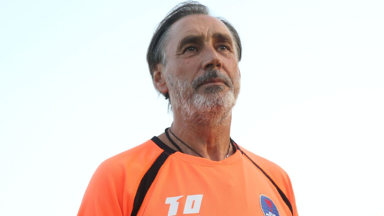 Delhi Dynamos' head coach Miguel Angel Portugal