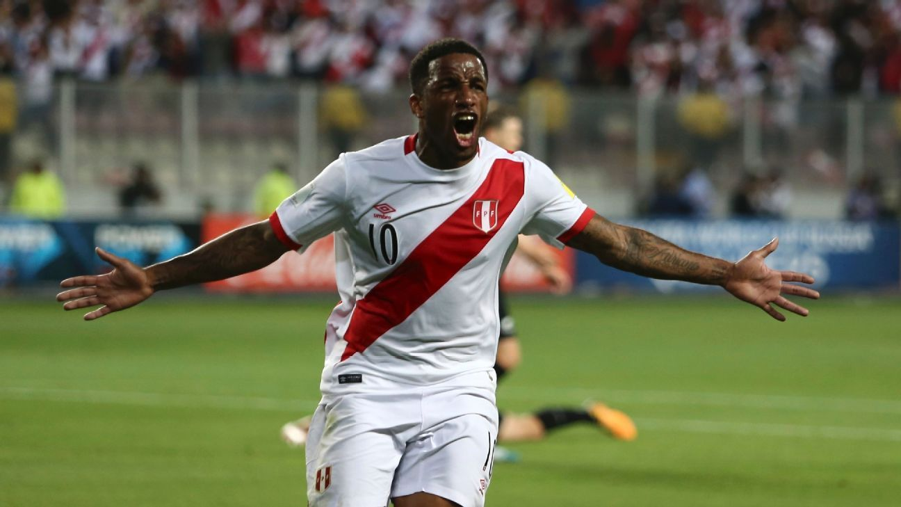 Jefferson Farfan celebrates after opening the scoring for Peru against New Zealand in their WC playoff.