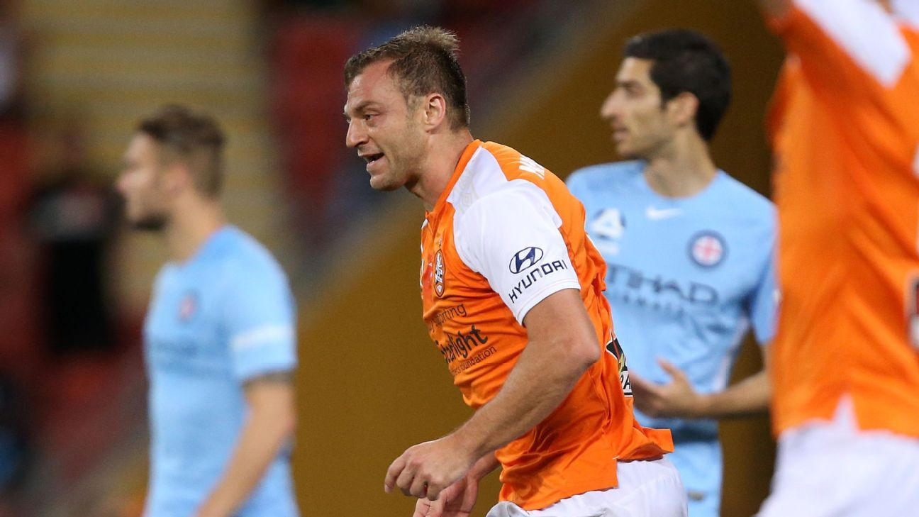 Avram Papadopoulos during Brisbane Roar's A-League win against Melbourne City.