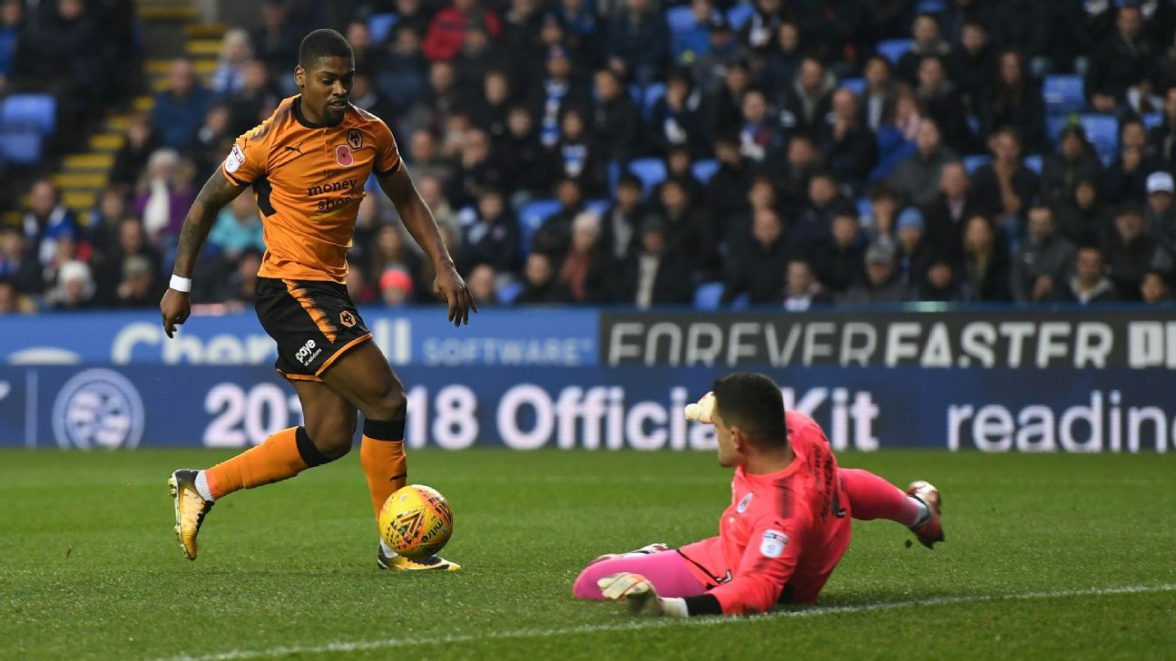 Ivan Cavaleiro scores for Wolves in their Championship fixture against Reading.