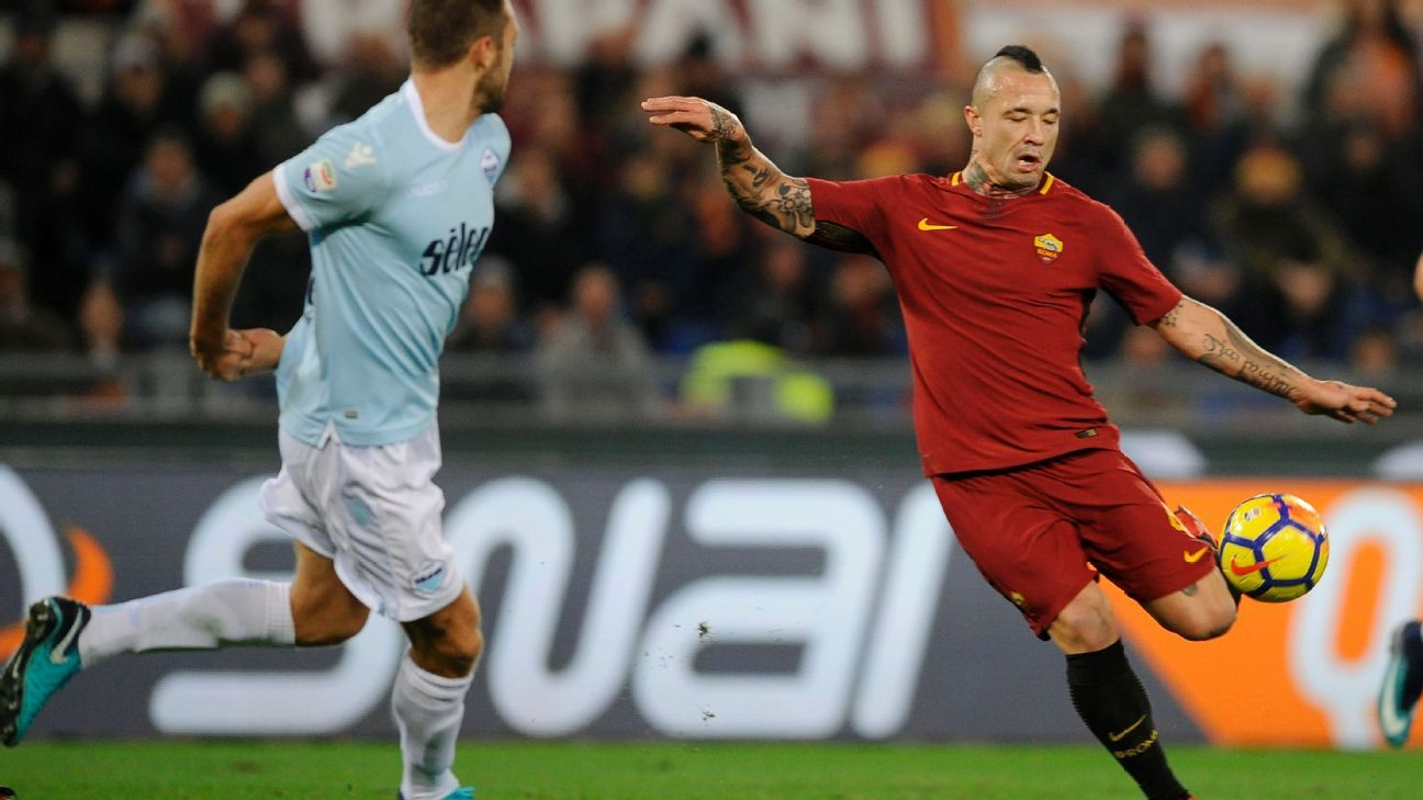 Radja Nainggolan shoots on goal in Roma's Serie A match against Lazio on Saturday.