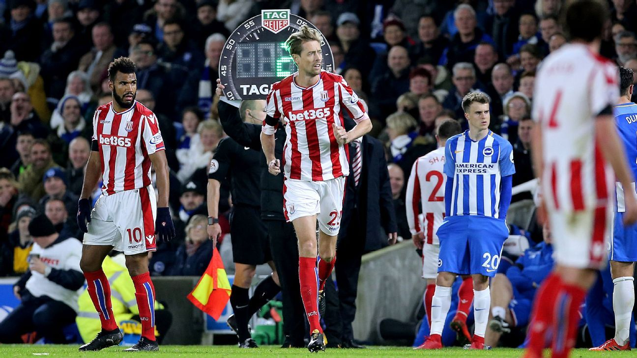 Peter Crouch sub