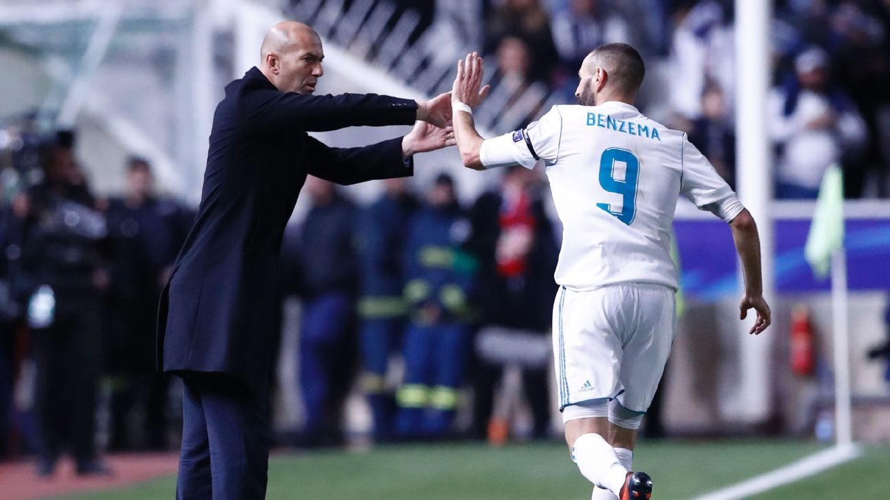 Zidane Benzema high five vs Apoel