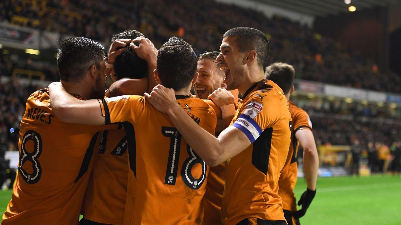 Wolves celeb v Leeds 20171122