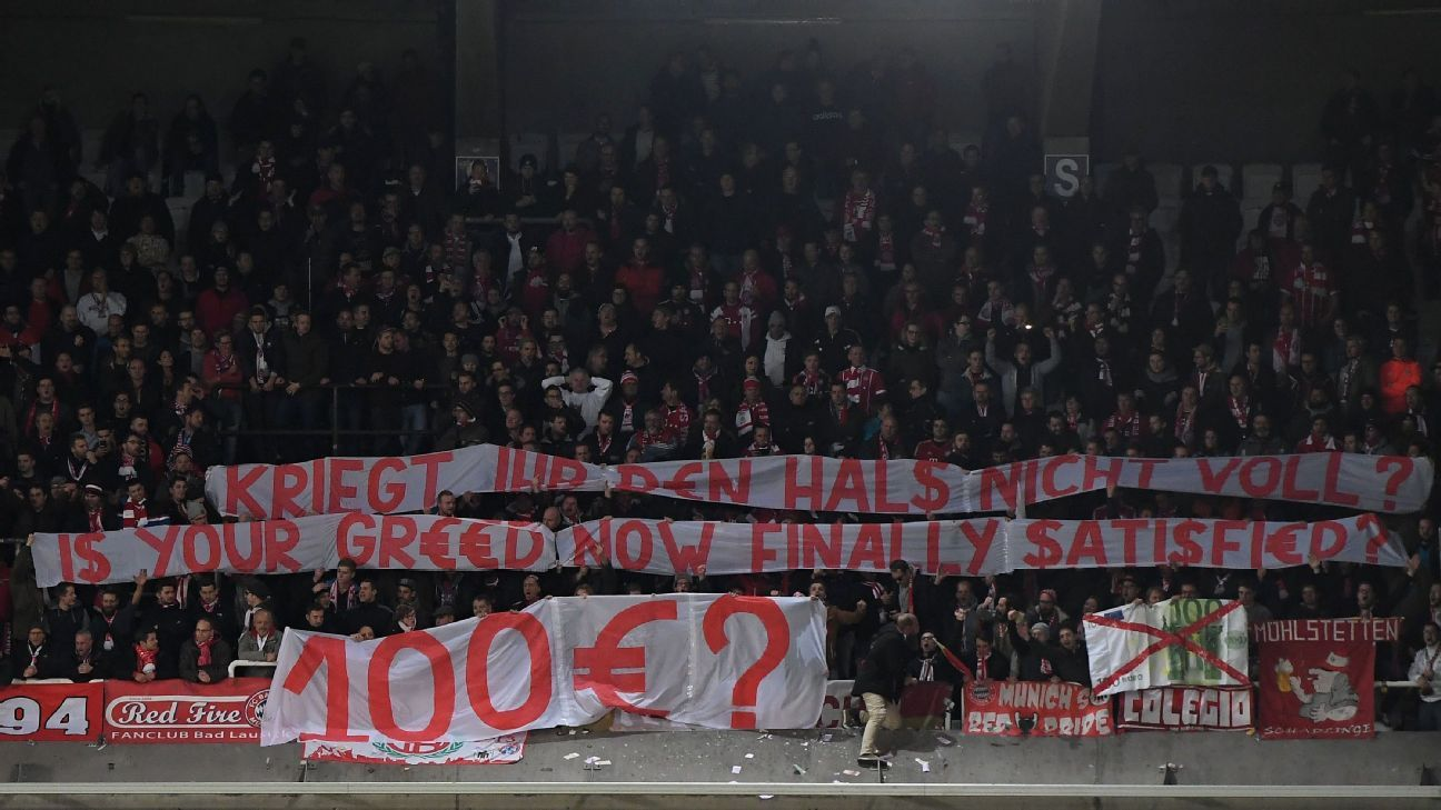 Bayern fans v Anderlecht 20171122