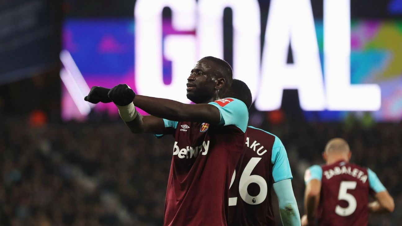 Cheikhou Kouyate celebrates after scoring a goal for West Ham in a 1-1 draw with Leicester City.