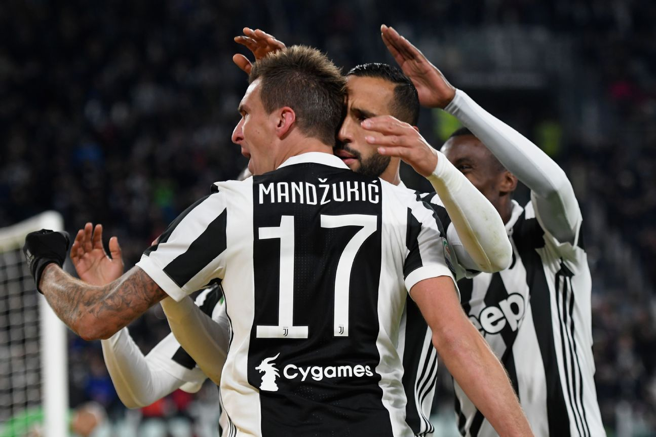 Mario Mandzukic celebrates his goal in Juventus' 3-0 victory on Sunday.