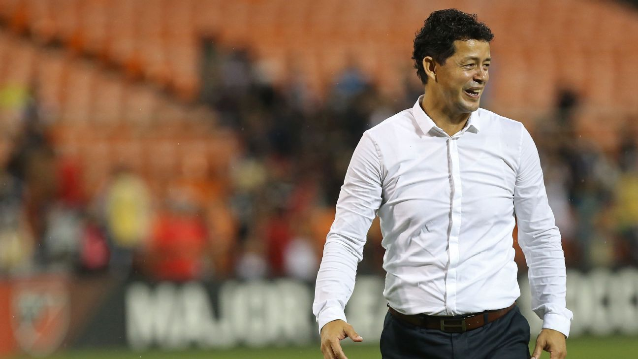 Houston reborn under Cabrera -- is he the most underrated coach in MLS?