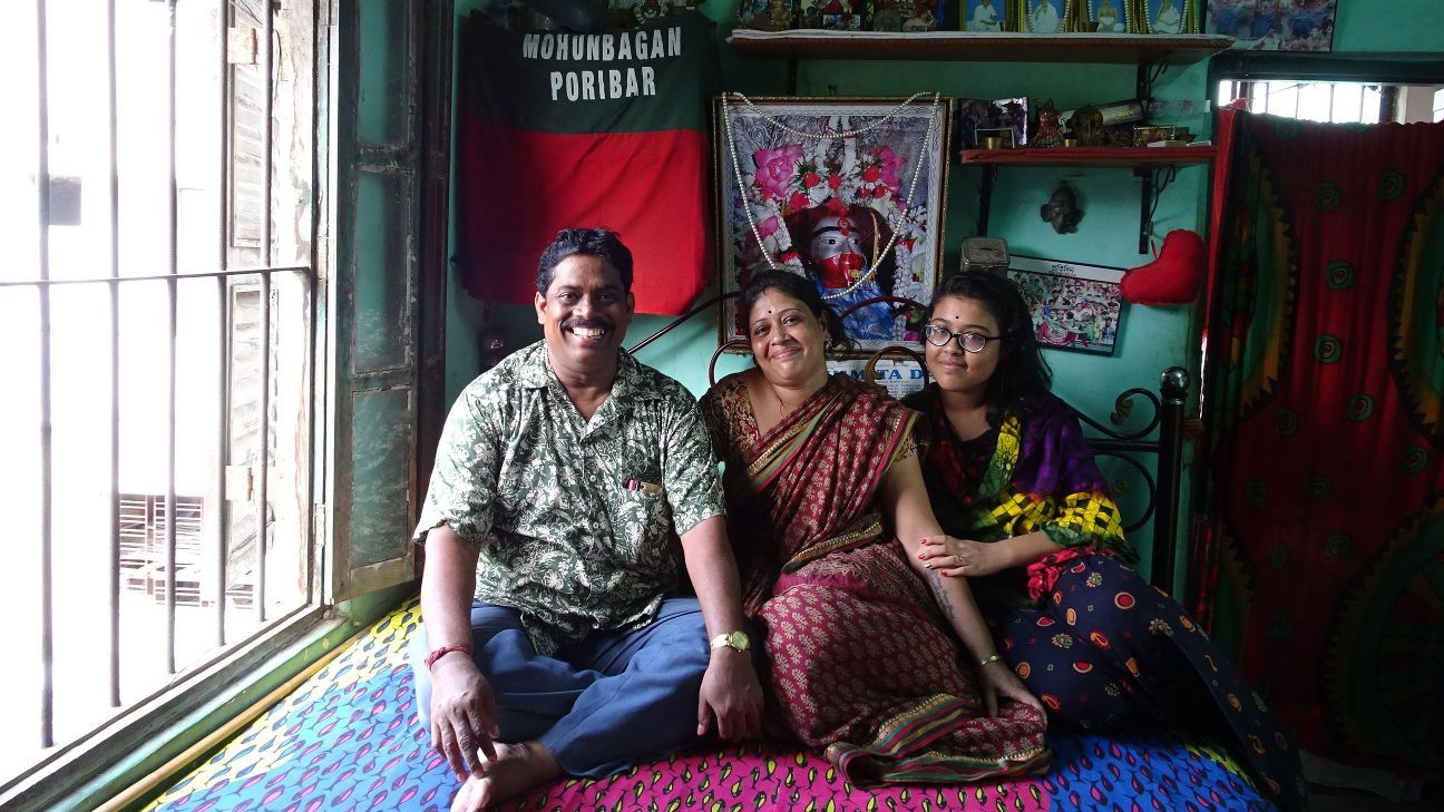 Mohun Bagan fan Bapi Maji with his family