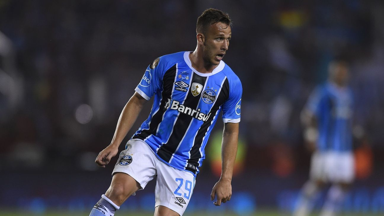 Arthur is set to sign for Barcelona from Gremio.