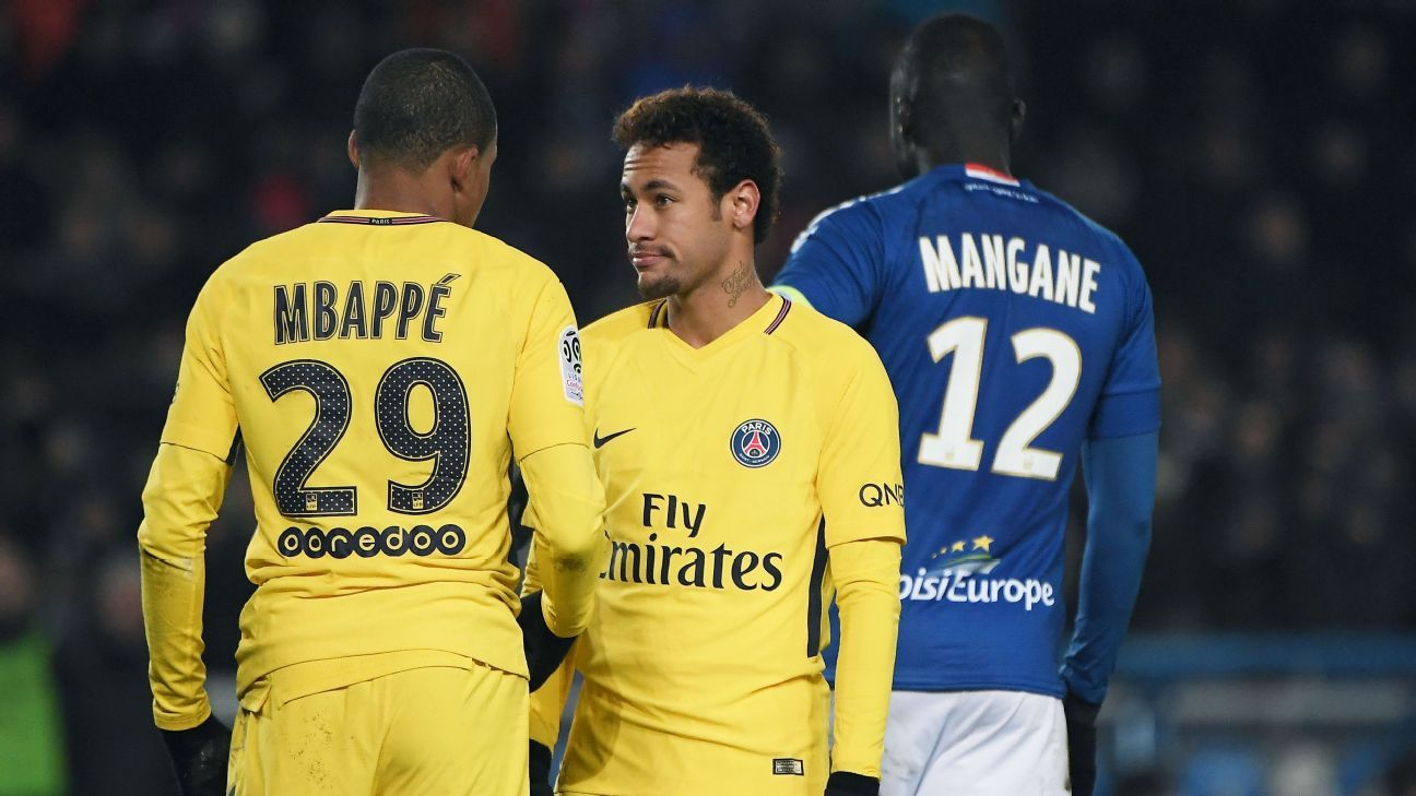 PSG suffered their first Ligue 1 defeat of the season at Strasbourg.