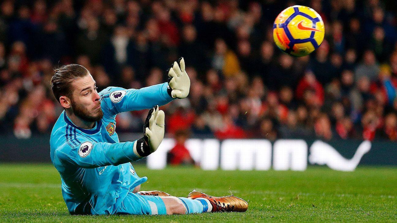 David De Gea mum on new deal, calls Man United 'special' club