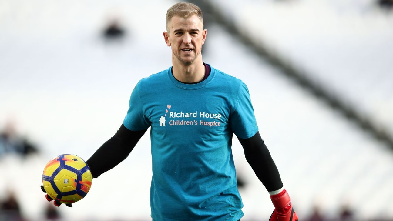 Joe Hart warming up before West Ham's Premier League clash with Chelsea at the London Stadium