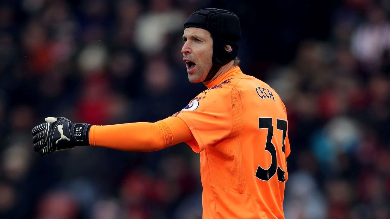 Despite several breakdowns in defence, Petr Cech kept the Gunners in the match.