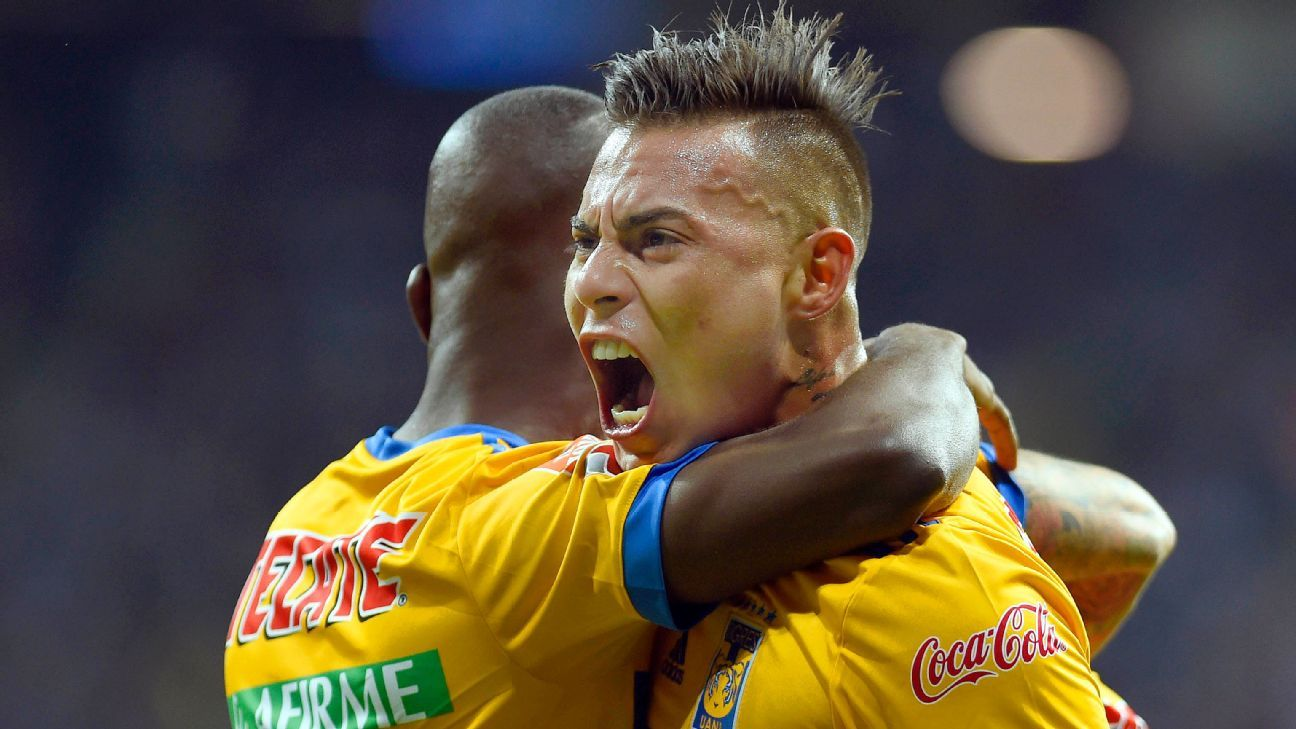 Eduardo Vargas, right, celebrates his goal in the second leg of the final against Monterrey.