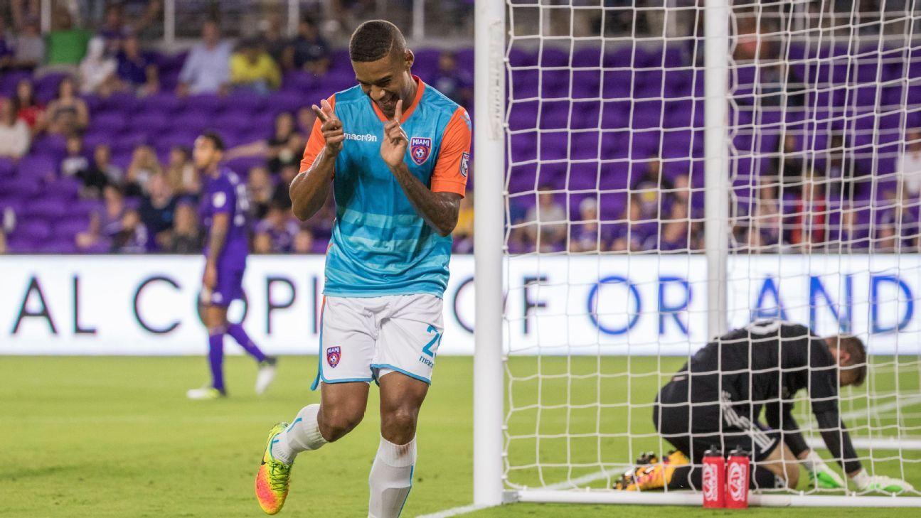 Orlando signs NASL MVP Stefano Pinho, trades for R.J. Allen