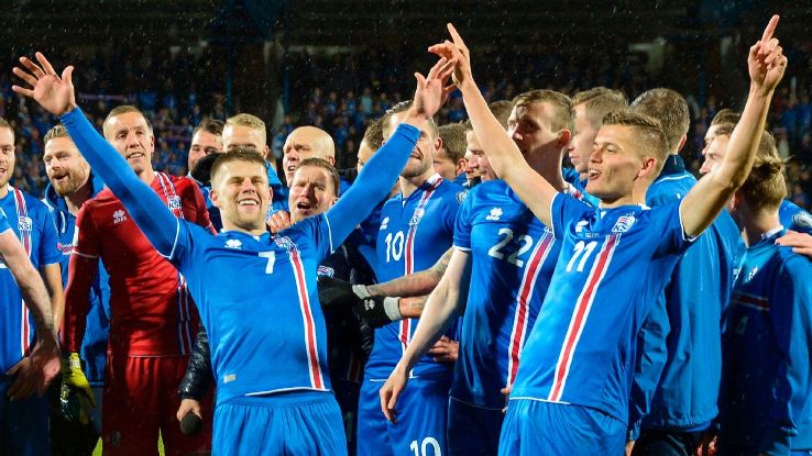 Iceland's players celebrate clinching their place in Russia.