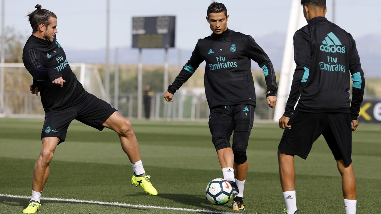 Real Madrid's Gareth Bale and Cristiano Ronaldo in training
