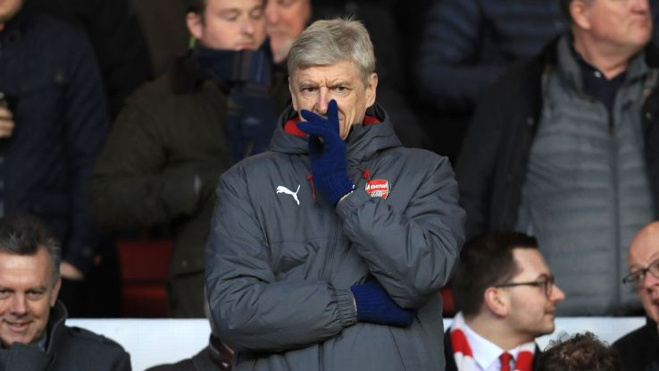 Arsene Wenger should prioritise the League Cup in the pursuit of silverware.