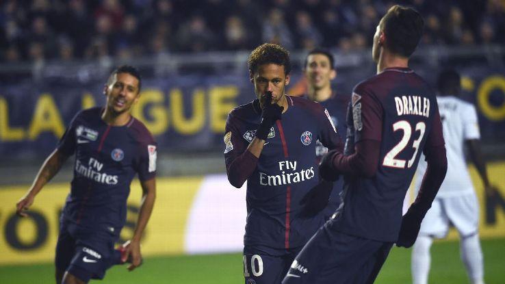 Neymar celebrates after scoring in PSG's Coupe de la Ligue win against Amiens.
