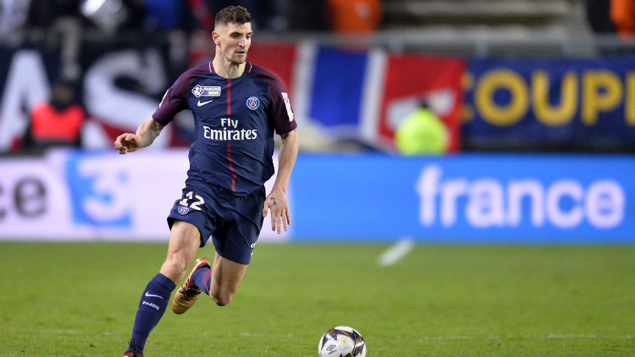 Thomas Meunier carries the ball upfield for PSG in a match against Amiens.