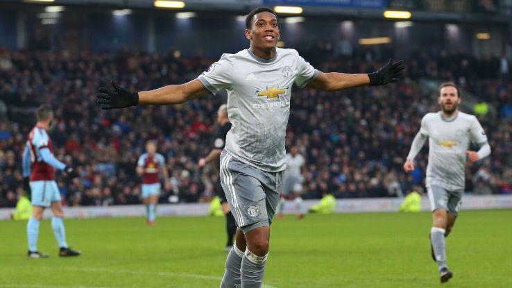 Manchester United's Anthony Martial celebrates scoring opening goal vs Burnley