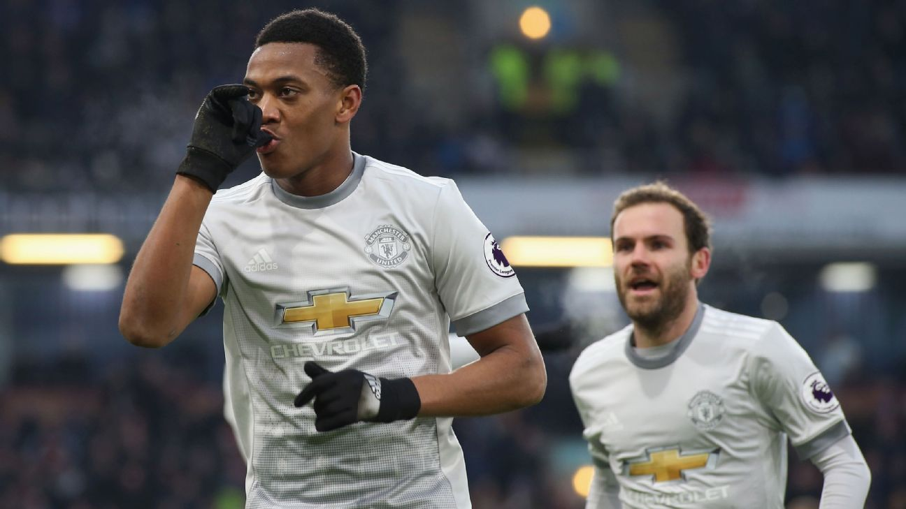 Manchester United's Anthony Martial celebrates scoring his goal vs Burnley