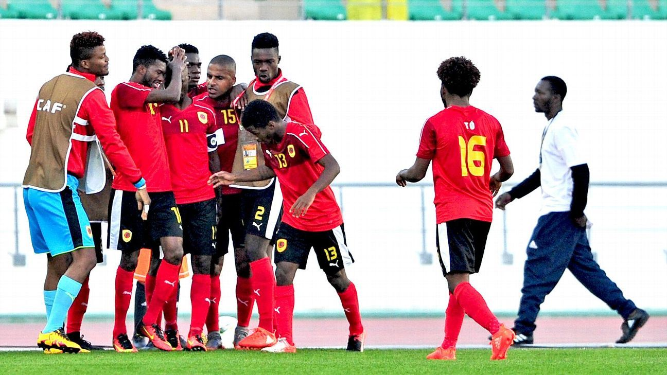 Angola players celebrate, CHAN 2018