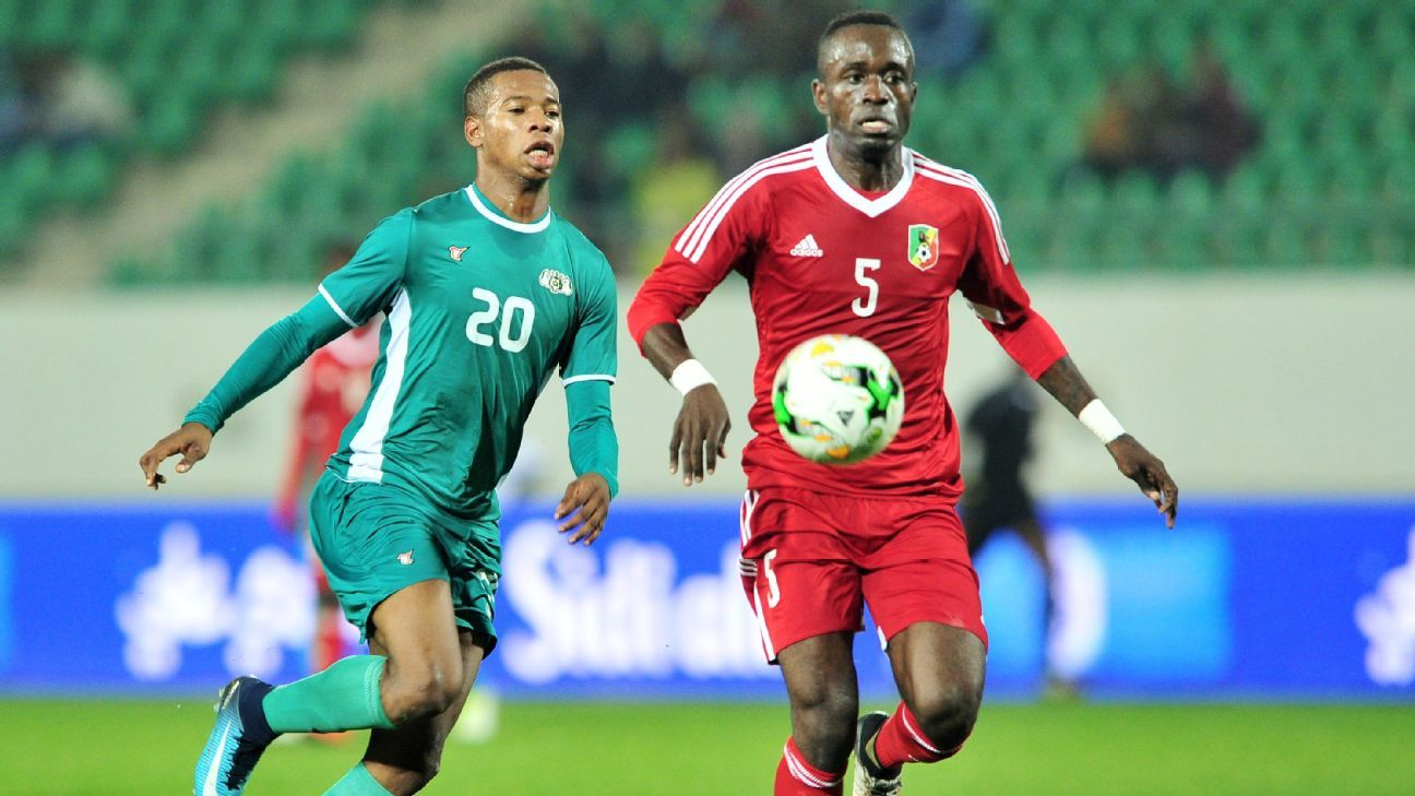Nathanio Kompaore of Burkina Faso and Carof Bakoua of Congo