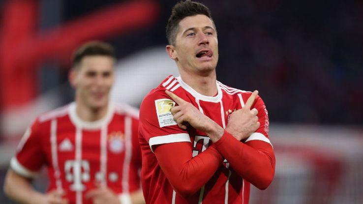 Bayern Munich's Robert Lewandowski celebrates his goal vs Werder Bemen