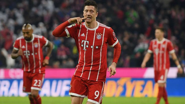 Robert Lewandowski's brace gave Bayern their 15th straight win over Werder Bremen.