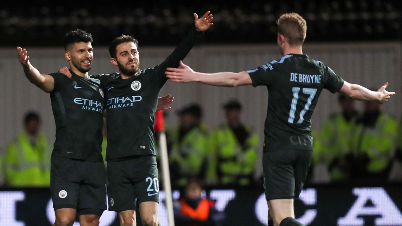 Man City celebrate Sergio Aguero's goal vs. Bristol.