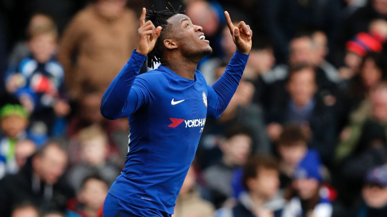 Chelsea's Michy Batshuayi celebrates scoring opening goal vs Newcastle