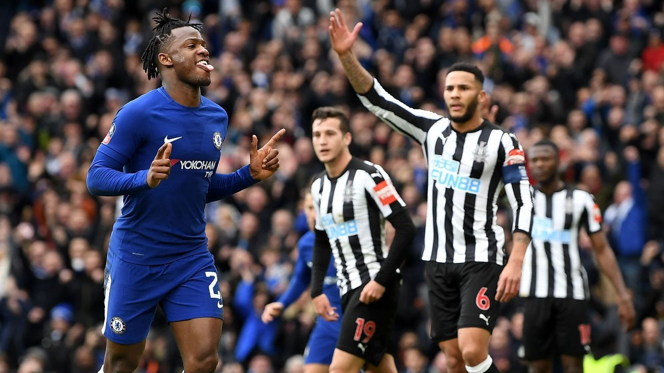 Chelsea's Michy Batshuayi celebrates scoring vs Newcastle