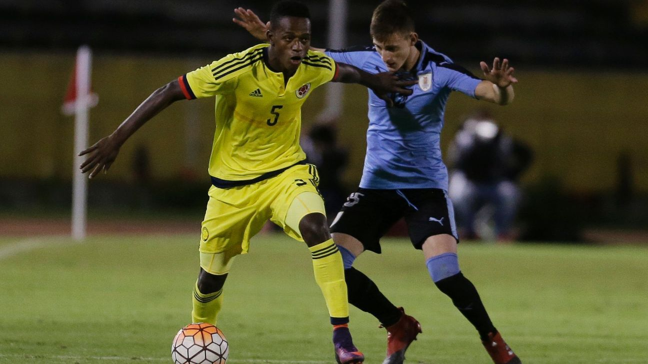 Anderson Arroyo during an under-20 international for Colombia against Uruguay.