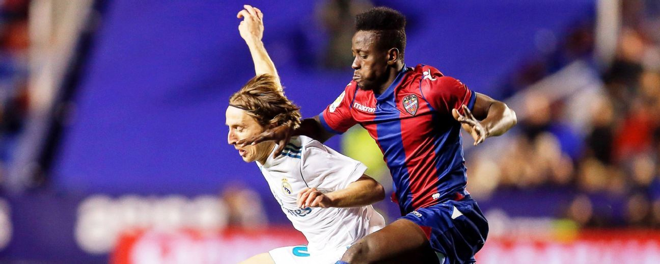 Luka Modrid of Real Madrid, Levante's Emmanuel Boateng