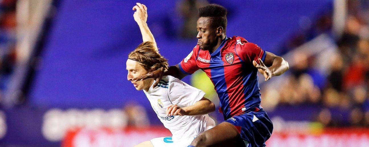 Luka Modrid of Real Madrid, Levante's Emmanuel Boateng