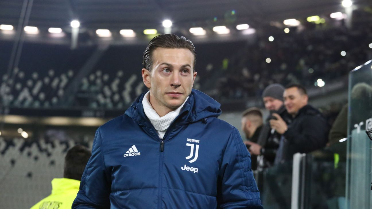 Bernardeschi chose Juventus over Fiorentina and will hear the fans' displeasure on Friday.