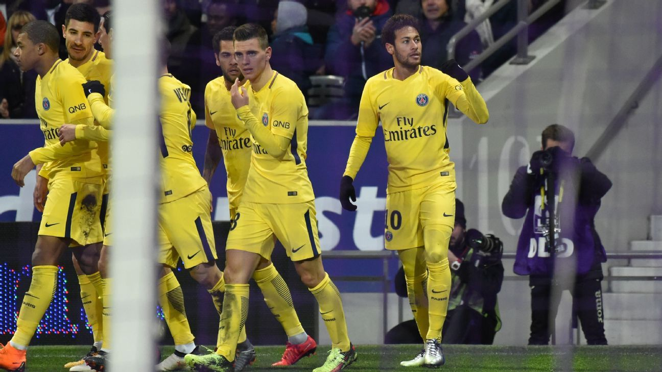 Neymar celebrates after scoring for PSG against Toulouse.