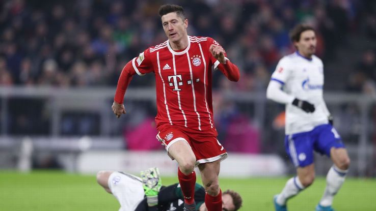 Robert Lewandowski kept up his goal a game pace with his 19th goal in 19 Bundesliga starts.