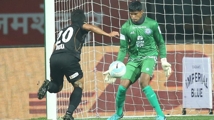 Subrata Pal makes a save against NorthEast United FC.