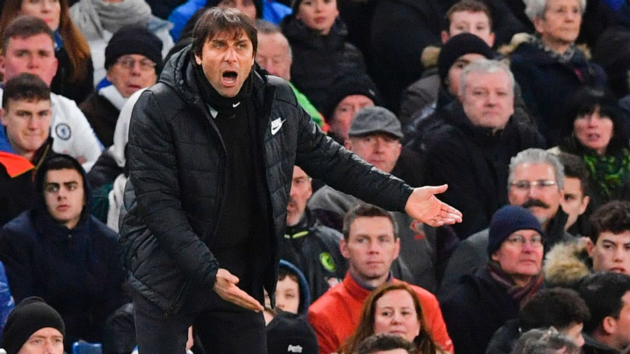 Antonio Conte reacts to the opening exchanges.