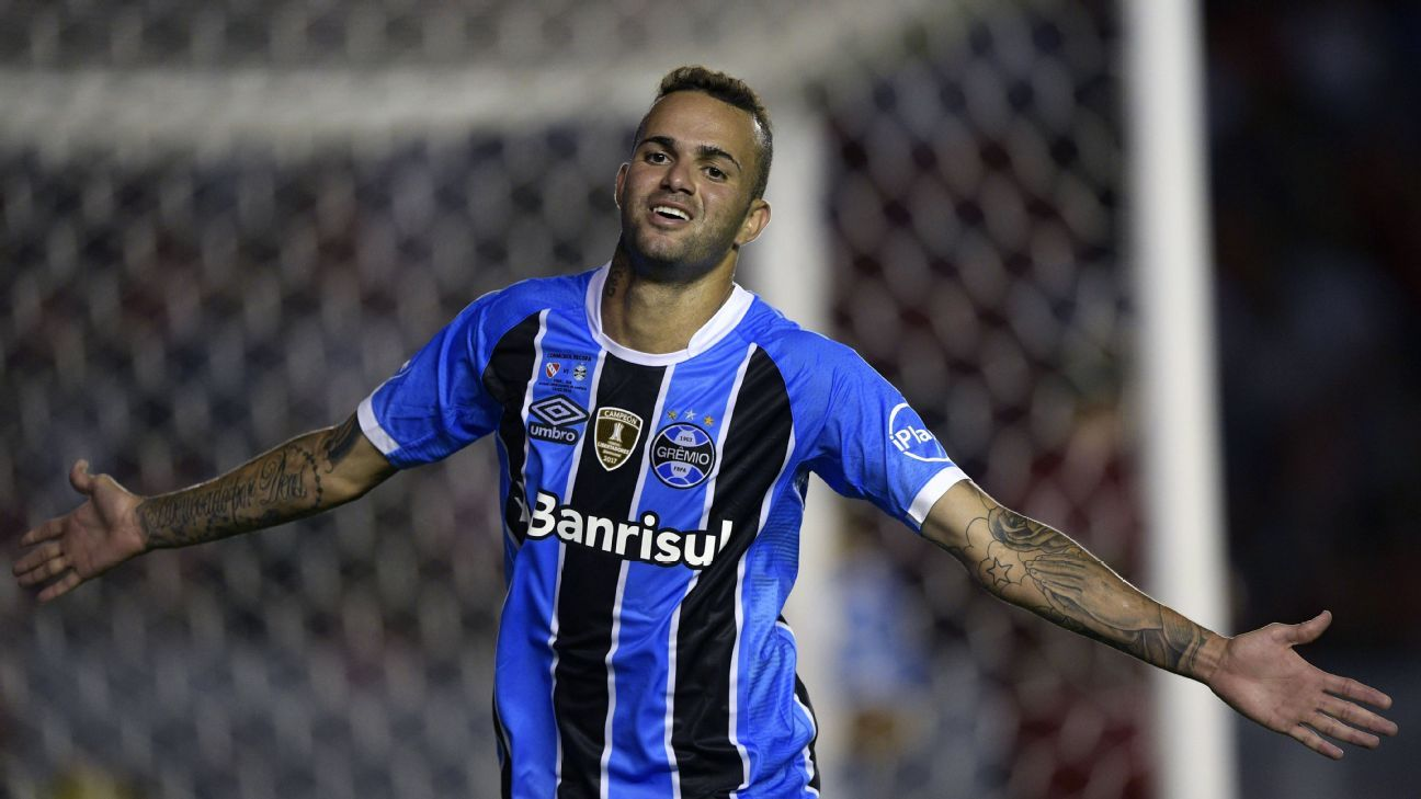Luan is one player firmly on the bubble for Brazil's World Cup squad.