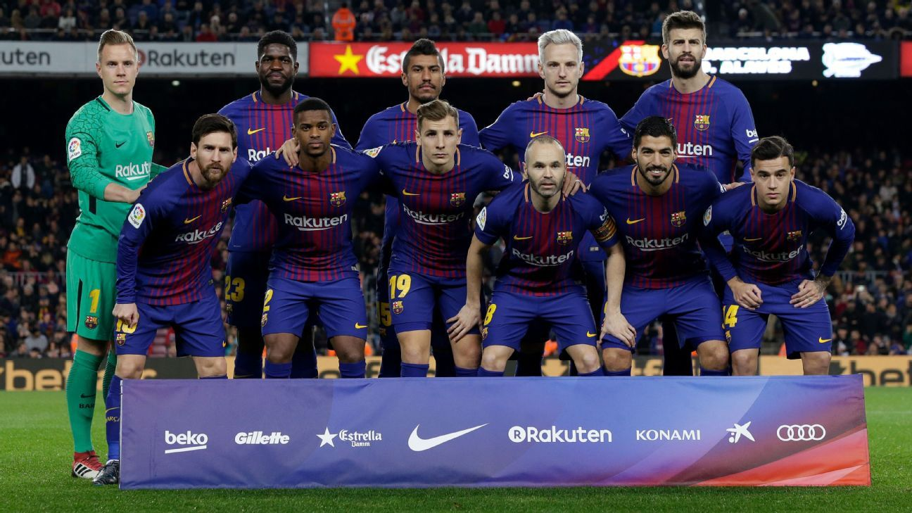 Barcelona prematch team photo ahead of match vs Alaves